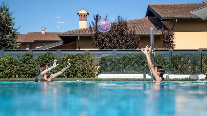 Piscina Esterna a Sfioro: Dreaming of Summer